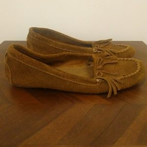 Minnetonka moccasins brown shoes size 10